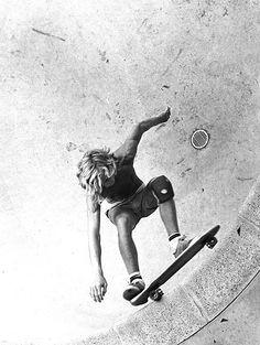 craig-stecyk | Tumblr Old School Skateboards, Vintage Skateboards, Action Pose Reference, Action Poses, Tony Alva, Lords Of Dogtown, Jay Adams, Skate And Destroy, Skate Style