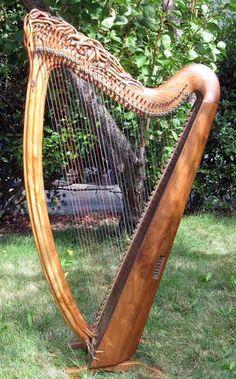 I love harps. Gorgeous hand-made Celtic harp. Made by Glenn J. Hill, Mountain Glen Harps.