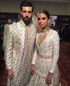 Jahan e Khalid & Fozia wearing Nomi Ansari