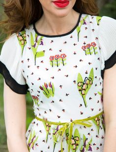 Floral Tops, Blouse, Women, Fashion, Moda, Fashion Styles, Blouses, Fashion Illustrations, Woman Shirt