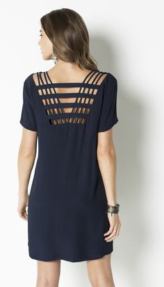 VESTIDO CREPE VISCOSE - Shoulder Fashion 101, Womens Fashion, Casual Outfits, Dress Outfits, Short Summer Dresses, Dressed To Kill, Little Dresses, Preppy Style, Colorful Fashion