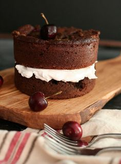 Frock Files: Black Forest Mini Cakes