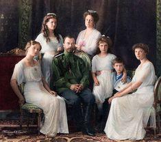 101 years ago today, the Russian Imperial Romanov family (Tsar Nicholas II, his . Romanov Family Execution, Romanov Sisters, Tsar Nicholas Ii, Marilyn Monroe Photos, Imperial Russia, Old Photos, Anastasia, Royalty, People