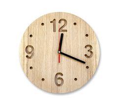 oak wall clock / design atelier article