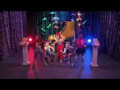 Davis Cleveland as Flynn Jones rapping on Shake it Up: Copy Kat it Up!