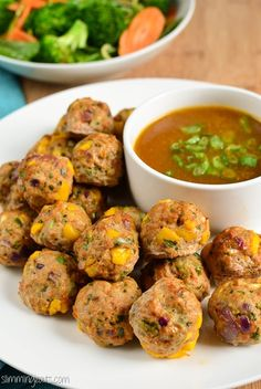 Slimming Eats Chicken and Mango Meatballs with a Spicy Mango Sauce - gluten free, dairy free, Whole30, paleo, Slimming World (SP) and Weight Watchers friendly