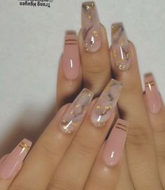The advantage of the gel is that it allows you to enjoy your French manicure for a long time. There are four different ways to make a French manicure on gel nails. The choice depends on the experience of the nail stylist… Continue Reading → Colorful Nail Designs, Nail Art Designs, Coffin Nail Designs, Cute Acrylic Nail Designs, Dope Nails, My Nails, Pink Nails, Best Acrylic Nails, Acrylic Nail Art
