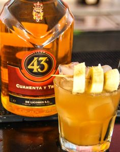 Refresh your day by trying this amazing @licor43global cocktail.