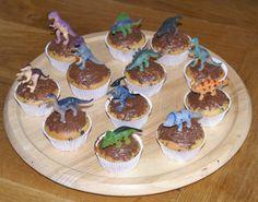 Dino Muffins und Spiele https://derscrapbookladen.wordpress.com/2008/04/29/nachlese-zur-gestrigen-dino-geburtstagsparty/