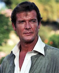 English actor Roger Moore as 007 on the set of the James Bond film 'For Your Eyes Only', March Get premium, high resolution news photos at Getty Images Roger Moore, Sean Connery, Hollywood Actor, Classic Hollywood, Simon Templar, Orange Cinema, Photos Des Stars, Sinclair, Spy Who Loved Me