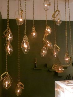 Lindsey Adelman  http://www.housebeautiful.com/shopping/decorating-trends/lindsey-adelman-glass-globes-lighting#slide-3