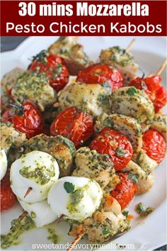 Pesto Chicken Kabobs can be easily made with 5 ingredients only and in 30 minutes in your oven or grill for a delicious and healthy dinner. dinner grill Pesto Chicken Kabobs - 30 Minutes - Sweet and Savory Meals Summer Recipes, Healthy Dinner Recipes, Cooking Recipes, Best Grill Recipes, Cooking Bacon, Shish Kabobs, Kabob Recipes, Dessert Recipes, Grilled Chicken Recipes