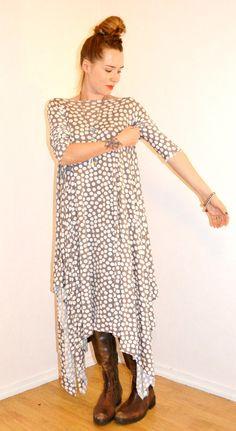 #Tyrnifarmarit: A fifteen minute Zero Waste dress Tutorial