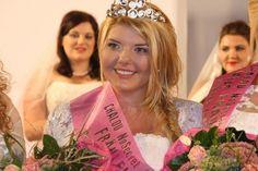 """Herzlichen Glückwunsch an Miss-Wahl Gewinnerin Romy! Sie hat """"Deutschlands schönste Kurven"""" und darf sich jetzt """"Fräulein Kurvig 2014"""" nennen!"""