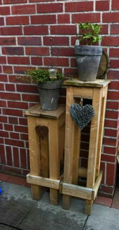 range column - Deko by selfmade - Balcony Furniture Design Pallet Crafts, Diy Pallet Projects, Wood Projects, Woodworking Projects, Garden Deco, Balcony Garden, Balcony Furniture, Pallet Furniture, Pallets Garden