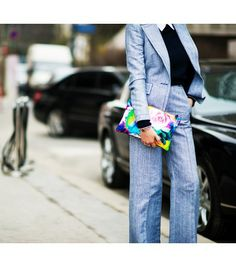 Street Style - Floral clutch accent
