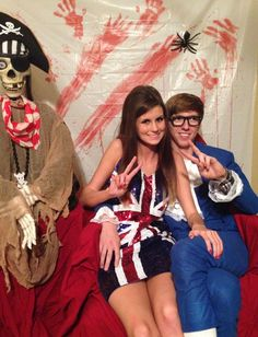 Never miss out on our collection of Halloween costumes which will inspire you. Sixties girl and Austin Powers. Funny Couple Halloween Costumes, Adult Halloween Party, Halloween Makeup, Halloween Ideas, Halloween Stuff, Austin Powers Costume, Dress Up Costumes, Costume Ideas, Iron Man