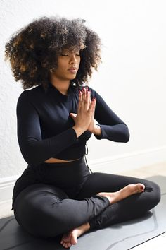 Body Supplement, 10 Day Green Smoothie, Black Skin Care, Transformation Body, Black Women Hairstyles, Hair Goals, Yoga Poses, Beauty Women, Natural Hair Styles