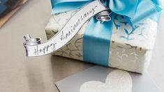 Check the list of traditional anniversary gifts by year. Includes modern gift themes, too. #Hallmark #HallmarkIdeas