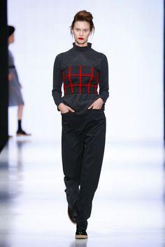 Julia Nikolaeva Russia Fall 2016 Russia Fashion ae99c682ecd4b