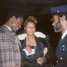 Aretha Franklin Bet y'all ain't know the queen used to be married to Glynn Turman(aka Preach from Cooley High and Col Taylor from A Different World). Aretha Franklin, Motown, Black Is Beautiful, Beautiful People, Celebrity Couples, American Singers, Black People, Queen, Black History