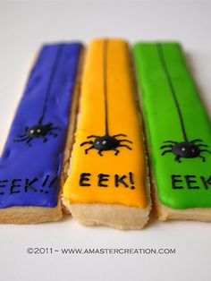 I would do healthy ingredients for stick sugar cookies/ icing along with Eminem as spiders halloween cookies Halloween Cookies Decorated, Halloween Sugar Cookies, Sugar Cookie Icing, Iced Sugar Cookies, Halloween Baking, Halloween Desserts, Royal Icing Cookies, Decorated Cookies, Healthy Halloween