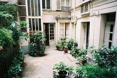 paris apartment by hiki Tour Eiffel, Exterior Design, Interior And Exterior, Outdoor Spaces, Outdoor Living, Ile Saint Louis, Paris Apartments, Vintage Stil, French Country Style