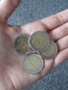 Schau dir deine Euro-Münzen genau an - es sind einige Münzen in Umlauf, die Sammlern bis zu 1.600 Euro wert sind! Wir verraten dir, worauf