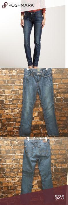 Lucky Brand Sophia Straight Jeans. Size 6/28 Sophia Straight jeans by Lucky Brand Lucky Brand Jeans
