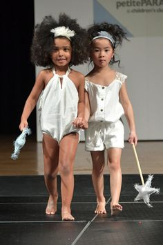 NEW YORK, NY - JANUARY 09: Models walk the runway wearing Wild and Fierce during petitePARADE at Children's Club January 2017 at Jacob Javits Center on January 9, 2017 in New York City. (Photo by Mike Coppola/Getty Images for petitePARADE )