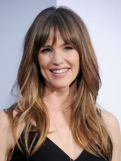 Fringe Benefits - 32 Celebrity Bangs For Inspiration - Best Fringe Hairstyles for 2019 – How To Pull Off A Fringe Haircut - Full Fringe Hairstyles, Fringe Haircut, Hairstyles With Bangs, Pretty Hairstyles, Hairstyles Pictures, Stylish Hairstyles, Blonde Hairstyles, Layered Hairstyles, Indian Hairstyles