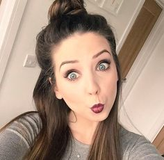 Zoella selfie