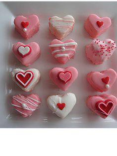 Purple Chocolat Home: Valentine's Petit Fours Tutorial