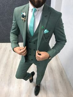 Collection: Spring – Summer 2019 Product: Slim-Fit Wool Suit Color Code: Green Size: Suit Material: wool, polyester Machine Washable: No Fitting: Slim-fit Package Include: Jacket, Vest, Pants Only Gifts: Shirt, Chain and Neck Tie Blazer Outfits Men, Blazer Fashion, Mens Fashion Suits, Mens Suits, Mens Casual Suits, Men Blazer, Mens Attire, Costume Vert, Mode Costume
