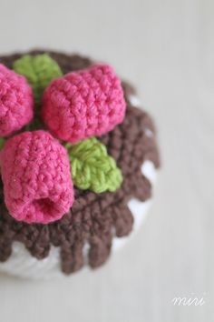 Crochet little raspberry chocolate cake by MiriTreasures Chocolate Raspberry Cake, Chocolate Cake, Polymer Clay Creations, Crochet, Unique Jewelry, Handmade Gifts, Etsy, Vintage, Handmade