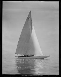 +~+~ Vintage Photograph ~+~+  Sailing at Marblehead 1935.