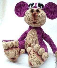 Купить или заказать Вязаная обезьянка Чикита в интернет-магазине на Ярмарке Мастеров. Милая обезьянка необычной сказочной породы, она может стать интересным подарком для барышни любого возраста, снею можно играть, ее можно посадить на полочку и просто любоваться, а она в ответ будет смотреть своими любопытными большими глазками игрушка связана из хлопка, лапы не подвижные, Для покупки игрушки достаточно нажать на кнопку 'В корзину' и оформить покупку.