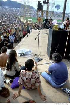 """mother-revisited: """"Joan Baez at Woodstock. By Elliot Landy. 1969 Woodstock, Woodstock Festival, Woodstock Hippies, Woodstock Music, Woodstock Photos, Rock And Roll, Rock N Roll Music, Beatles, Hippie Movement"""