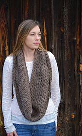 Ravelry: Soft Stitch Cowl pattern by Elizabeth Trantham