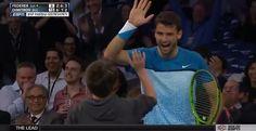 Il ragazzino di 12 anni che umilia Federer | Video