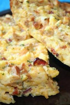 Easy Breakfast Casserole | This is a tasty and easy breakfast casserole. Serve with a bowl of fresh fruit. Wonderful!