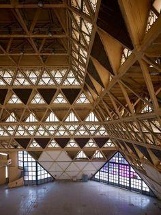 Raj Rewal/Majandra Raj - Hall of Nations, New-Delhi a space-frame in reinforced concrete. Geometry Architecture, Parametric Architecture, Architecture Life, Indian Architecture, Contemporary Architecture, Architecture Details, Interior Architecture, Parametric Design, Architecture Visualization