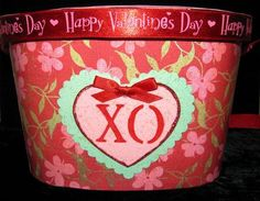 cute little Valentines card holder made with an empty ice cream container ... sweet!