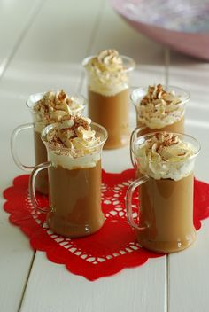 Dolce & Desserts – Page 4 – Amino Lo Chef Tiramisu, Hot Chocolate Coffee, Coffee Carts, Food Stations, Turkish Recipes, Frappe, Aesthetic Food, Coffee Recipes, Jars