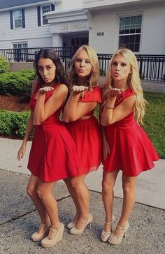 Shop our online boutique loaded with lace dresses, prom dresses, homecoming dresses and party dresses! Cute juniors dresses are calling! Homecoming Poses, Homecoming Pictures, Prom Poses, Homecoming Dresses, Bridesmaid Dresses, Hoco Dresses, Trendy Dresses, Dance Photos, Dance Pictures