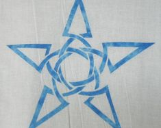 What more could you ask for?    This elegant Celtic moon and star knot applique pattern is the perfect touch for any quilting project.    Once received, using this design is quick and easy. Start to finish, it can be done in under an hour. Our directions will walk you through our simple method to keep applique fun and easy.    Size is an 8x8 inch quilting block, but you can adjust the size with your computers editing software if needed.    MATERIALS:  Fabric for applique (7x7 inches)  Fabric…
