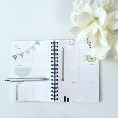"""Nächste Woche gibt es in meinem Kalender keine Termine, """"nur"""" Deko und Urlaub  #lustaufsommer #kalender #urlaub #timetorelax Organization, Handmade, Calendar, Vacations, Deko, Getting Organized, Organisation, Craft, Staying Organized"""