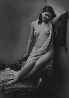 ladies nude vintage Modern sexy