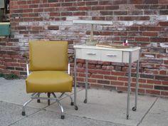 Vintage Manicure Table Industrial Salon Manicure Station, Beauty Salon Interior, Woman Cave, Beauty Bar, Vintage Decor, Spa, Hair Salons, Salon Ideas, Nail Technician