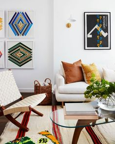 Crushing over @mindykaling's chic mid-century Moroccan inspired apartment! The space was designed by @onekingslane. See more on the blog! 📸: @david_a_land